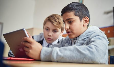 400.000 de elevi din 3 milioane nu au acces la internet