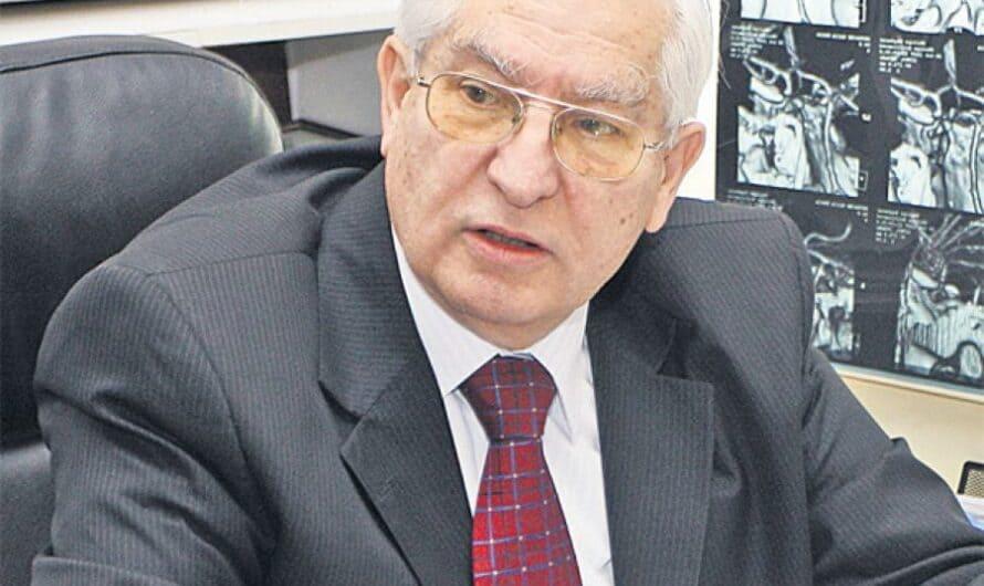Prof. Vlad Ciurea: Scrieți cât mai mult de mână. Este extraordinar cum tot creierul lucrează